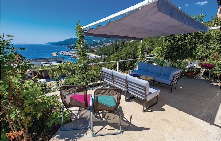 Holiday cottage with 2 bedrooms on 43m² in Opatija