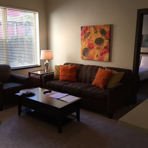 GORGEOUS 2 bedroom - Unbeatable Rate - Hillsboro - Apartamento