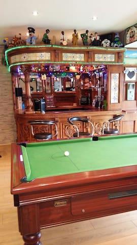 Traditional Irish Bar (Unstocked!)
