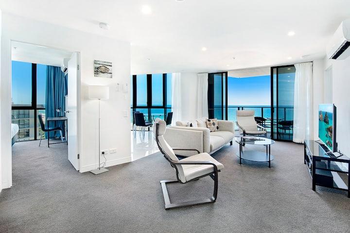 Rhapsody 2 Bedroom Ocean View Apartment in Surfers Paradise