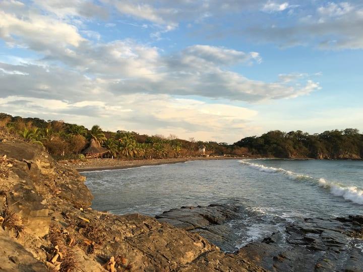 Eco-Casa in Jungle Paradise: Playa Majagual