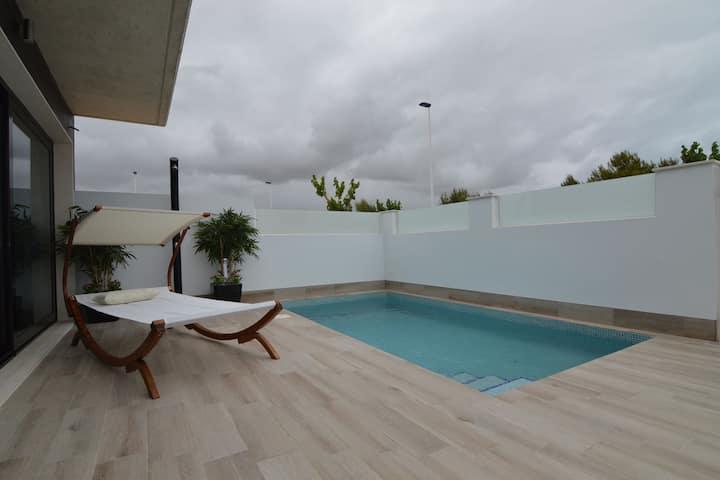 Luxuriöse Ferienwohnung mit privatem Pool am Meer in Murcia
