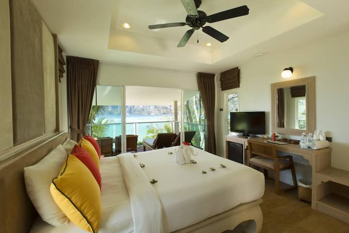 Delightful Villa at Tonsai Bay on Phi Phi!