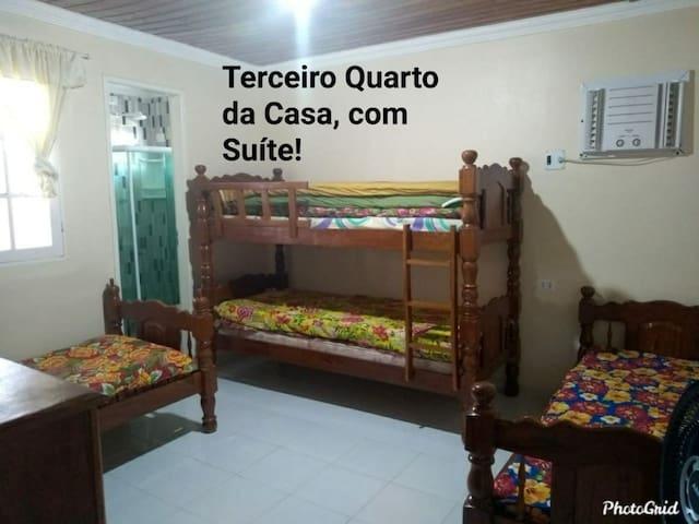 Terceiro quarto com suite