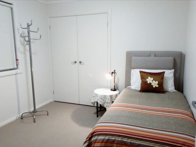Comfy New Room. 14 min frm Blacktown