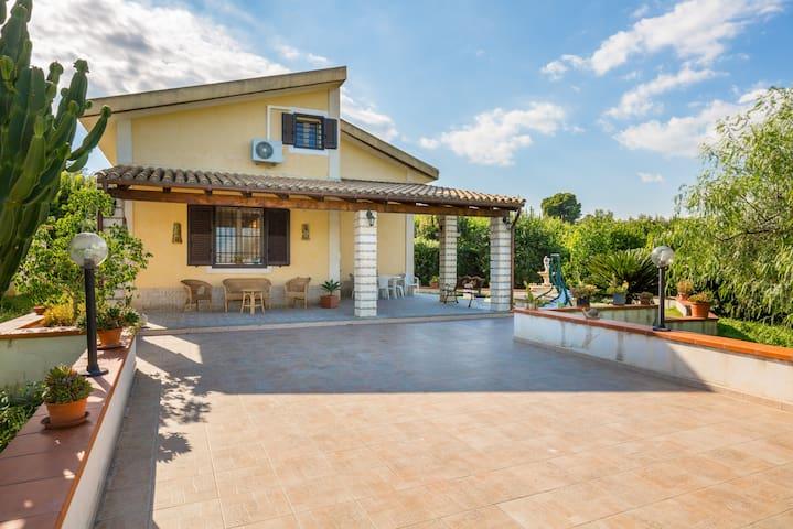 Vendicari house with pool, parking & wi.fi