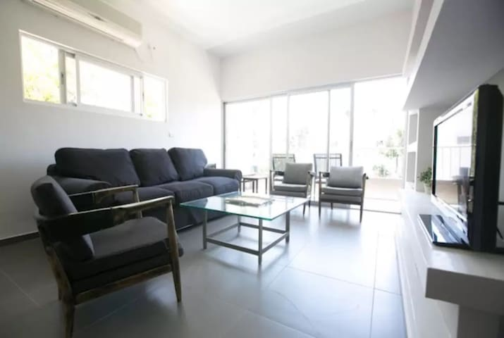 amazing 2BD!!! In the city center, near Rabin Square and Ichilov Hospital