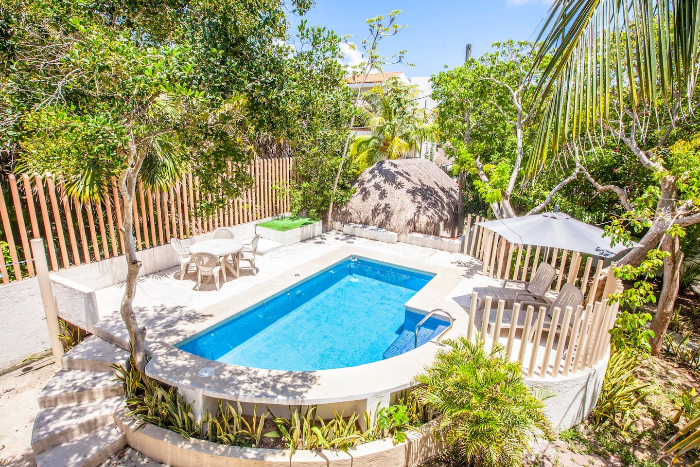 Beautiful House with private pool! Near the Beach!