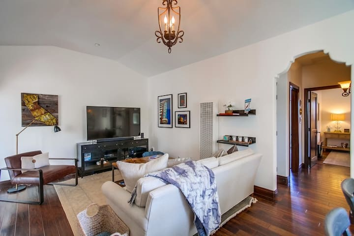 Perfect location and beautiful design in Coronado. - Coronado - Lejlighed