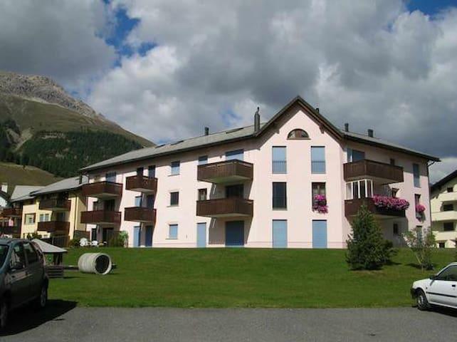 Celerina - schöne Ferienwohnung für 2 Personen - Celerina/Schlarigna - Apartamento
