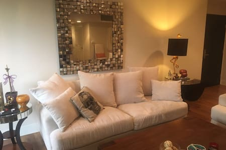 West Hollywood-Modern 1bdr-PRIME Location - West Hollywood - Huoneisto