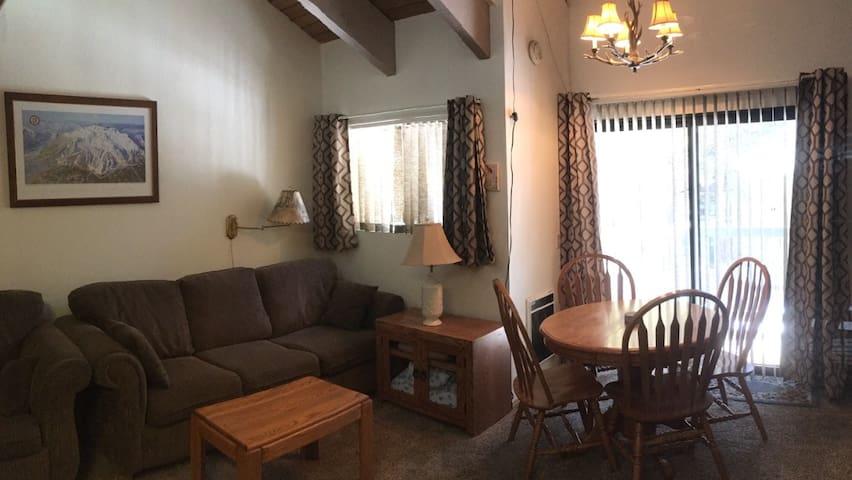 Comfortable Mammoth Lakes Loft Bedroom Condo