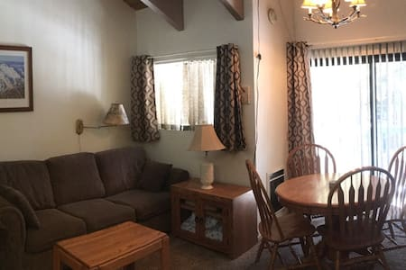 Comfortable Mammoth Lakes 1 Bedroom Condo - Маммут Лейкс