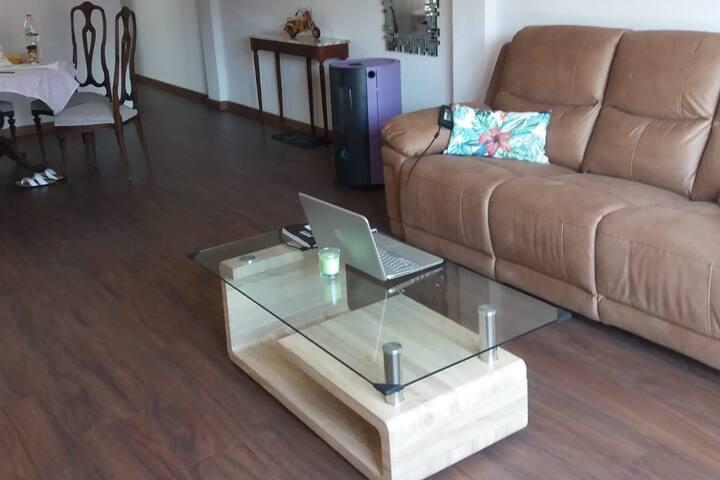 Habitación Amplia e Iluminada en piso remodelado