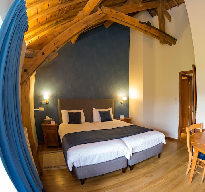 "Chambre""Campanule""2lits-ferme château Laneffe"