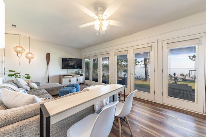 The gorgeous BIG Lake Murray views from the Family Room - there isn't a bad seat in the house!