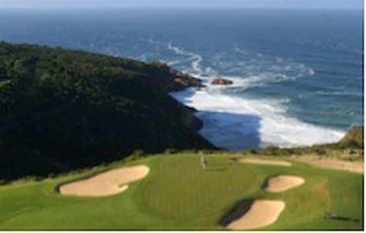 Oubaai Golf courses signature hole, the 17th