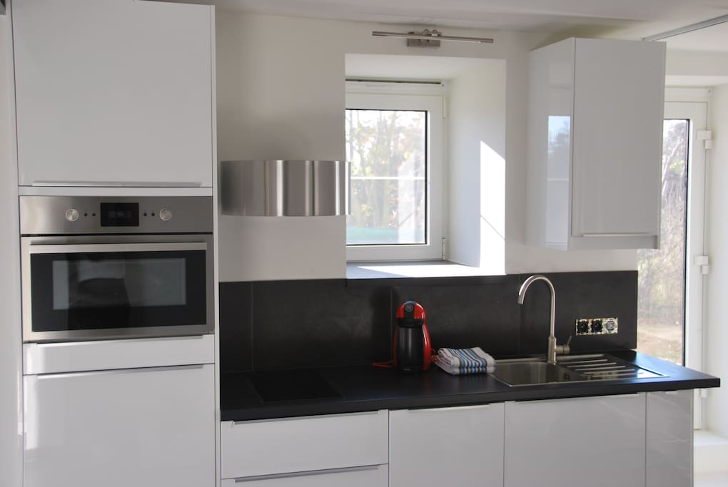 Fully equipped kitchen (combi oven, dishwasher, all utensils)