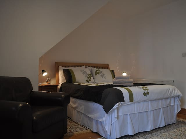 Cottage deluxe ensuite/ wheelchair friendly
