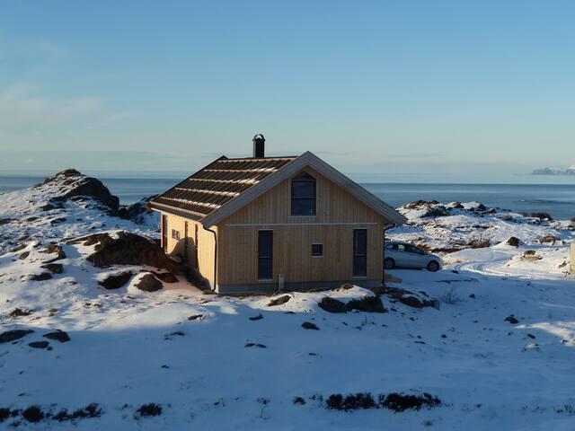 Cabin in Lofoten with an ocean view - Gimsøysand - Houten huisje