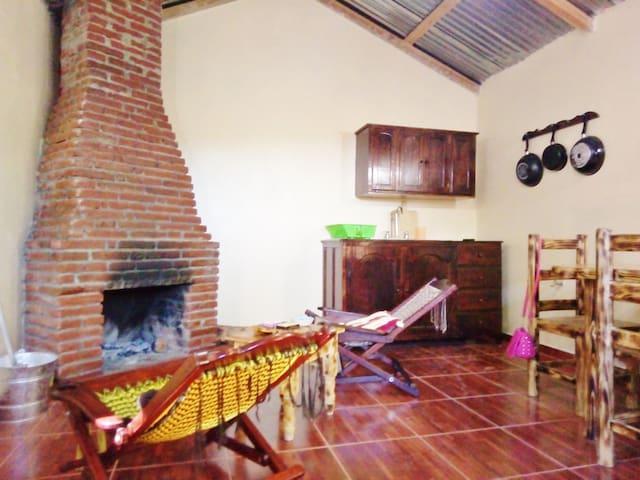Cocina-Sala con chimenea