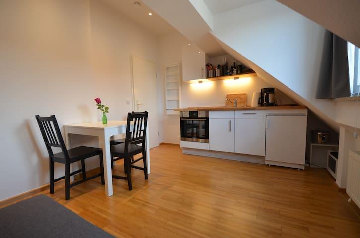2 Zi Dachgeschosswohnung, Zentrum München, 37 qm