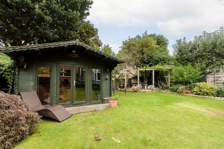Double Room in peaceful location outside of town