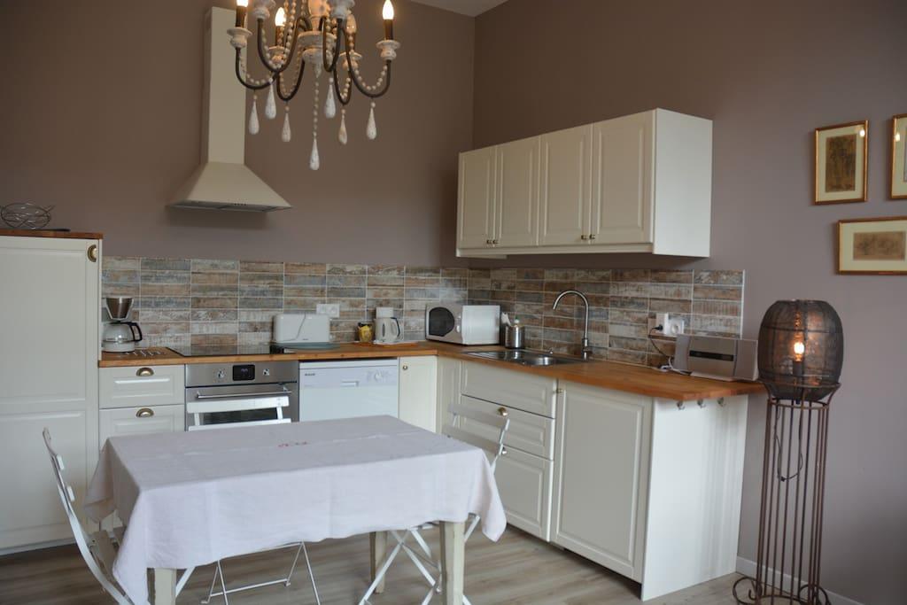 """La cuisine de l'appartement """"Bonheur de Ronsard"""""""