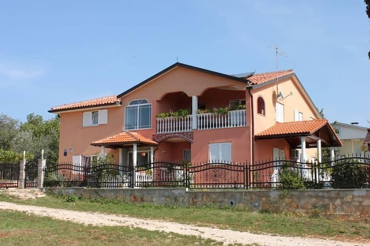 Two bedroom apartment with terrace Valica, Umag (A-7122-b) - Valica - Apartment