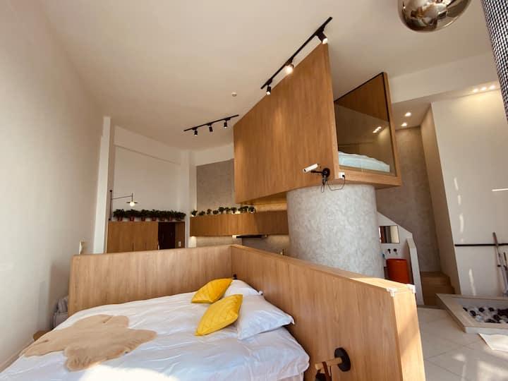 -阁-超大空间loft派对房  浴缸 投影 厨房 智能家电 电动窗帘 超大落地窗
