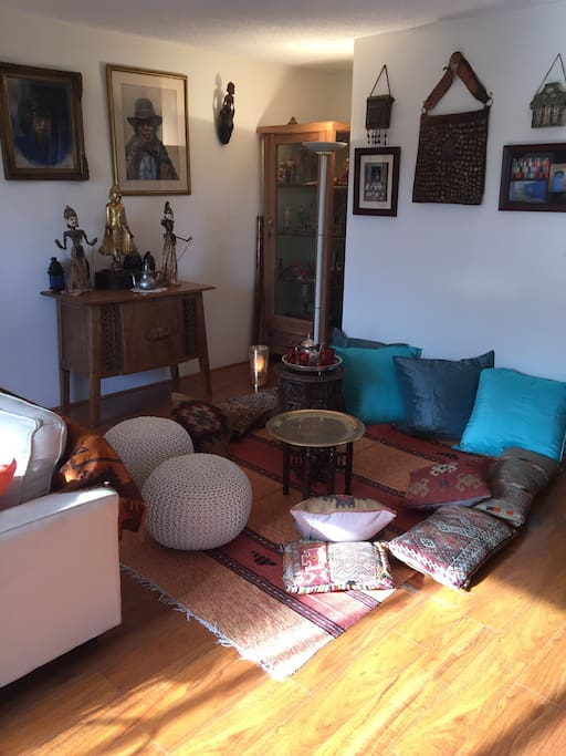 Moroccan corner/tea room, shared space