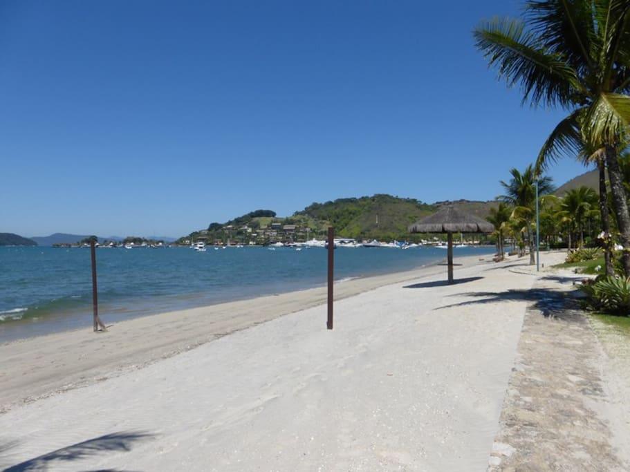 Praia em frente ao resort da casa (Germana Guinle Ocean Resort - Porto Frade) Beach in front of Resort- Germana Guinle Ocean Resort- Porto Frade
