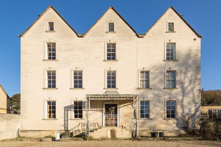 Grigshot Apartment, Stroud