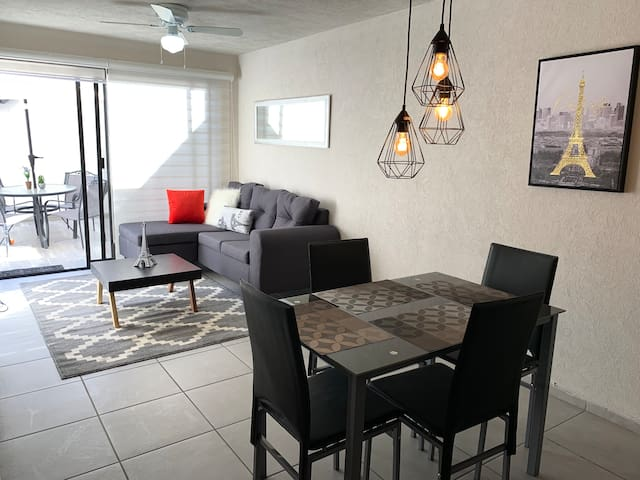 All new apartment w/AC/Parking/1st Floor/Elevator