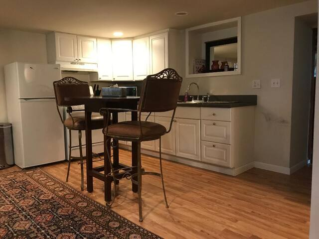 Affordable Saratoga Springs Rental-Walk to Track!