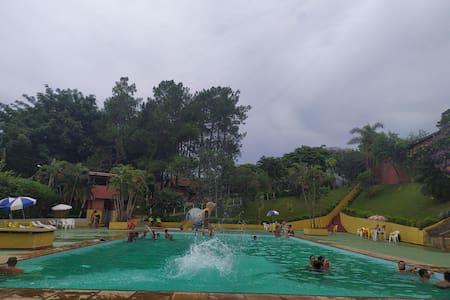 Mini-fazendinha, Piscinas, Sauna,  Lago,Playground