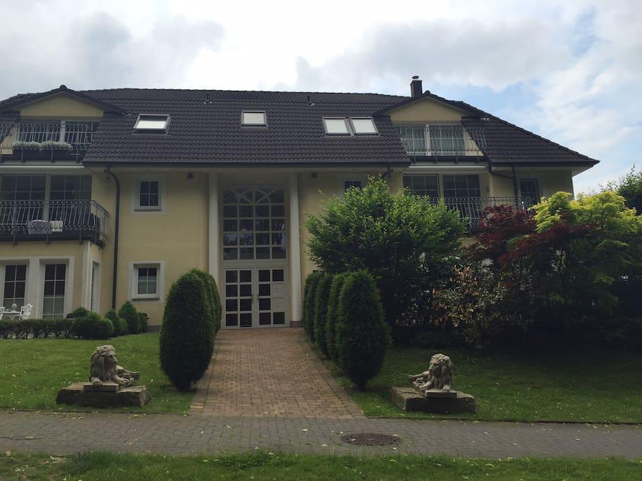 Hausansicht der Villa