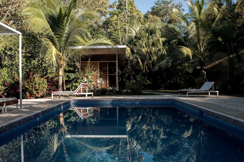 Vu piscine et Casita