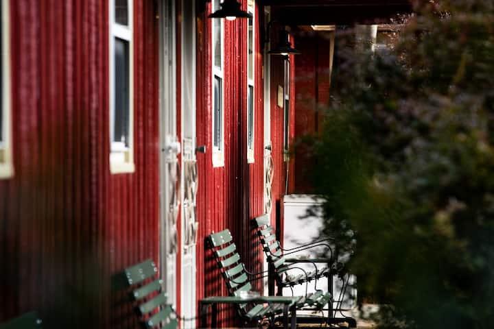 Phoenicia Lodge - Room 10 ( twin room)
