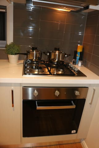 Cooker/Stove and Oven