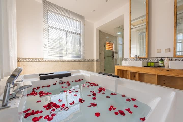大理古城苍山门浪漫泡泡浴室大床离天龙八部苍山三塔都很近