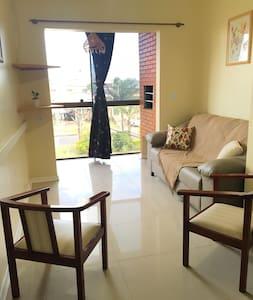Apto de 2 Dormitórios na Praia de Capão Novo - Apartamento