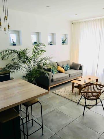 Salon cosy et lumineux