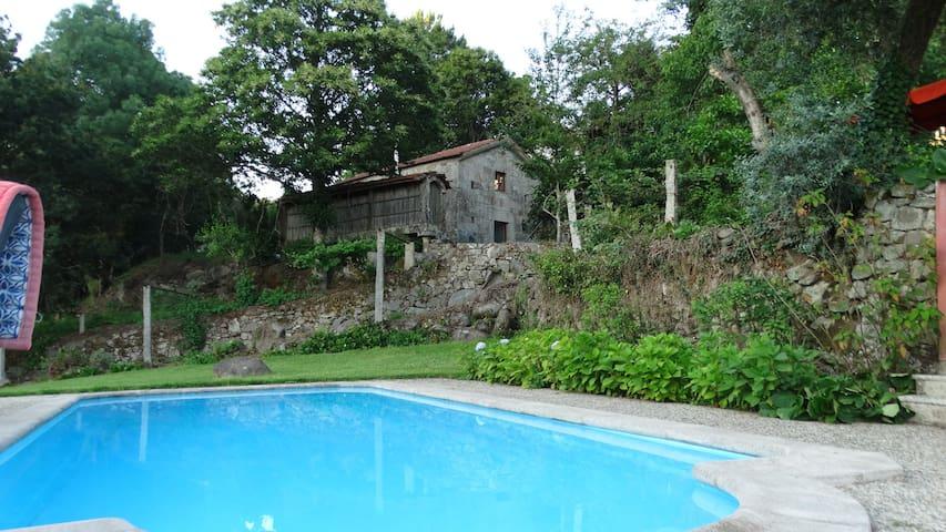 Paredes de Coura, casa com piscina e vista -Tulha