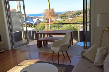 Eastern Beaches One Bedroom Home - Hus