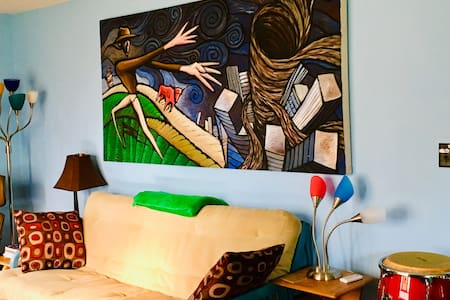 Whimsical Guest House-Downtown Boone