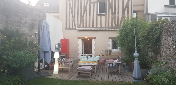 Maison cosy avec jardin au coeur de la Doutre