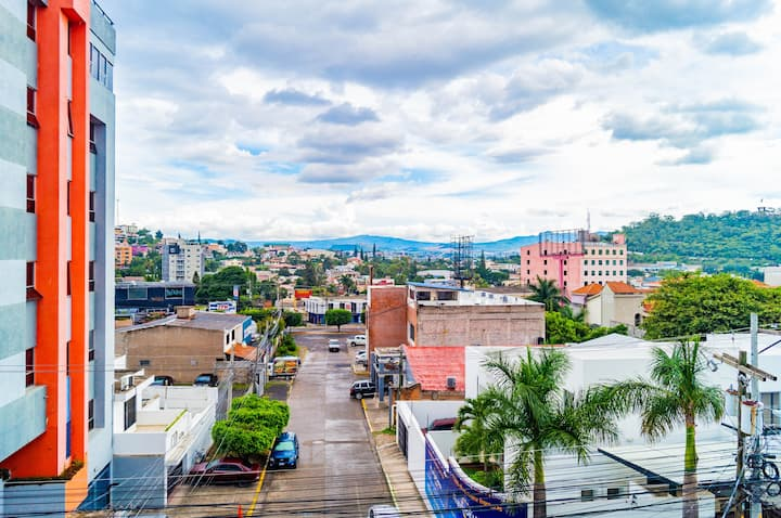 Apartamento Blvd Morazán Céntrico Seguro Equipado