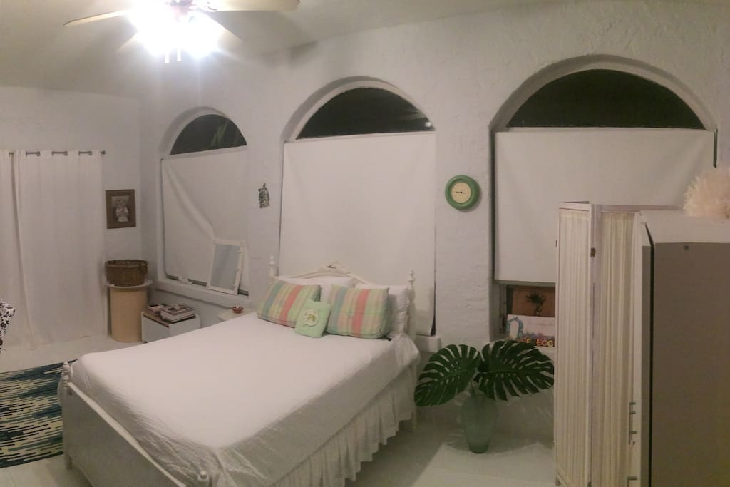 Clean Spacious Secluded Room 10ft x 20ft