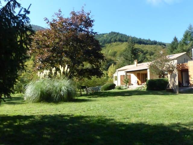 PROMO AVRIL/MAI Gite 7 personnes.Cevennes Ardèche. - Valgorge